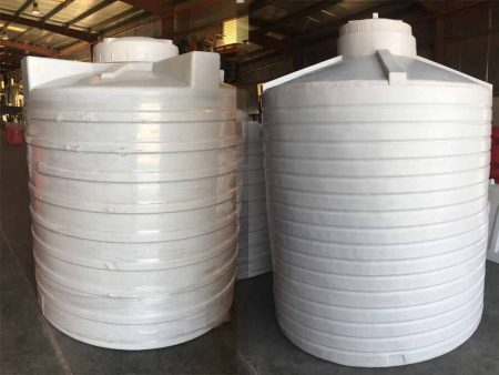 ozplast 1000 & 500 Gallons Water tanks