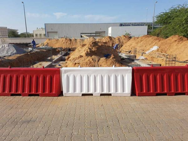 ozplast uv stabilized Road barriers during construction