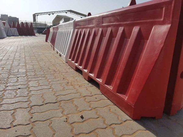 ozplast uv stabilized barriers for diversion during construction